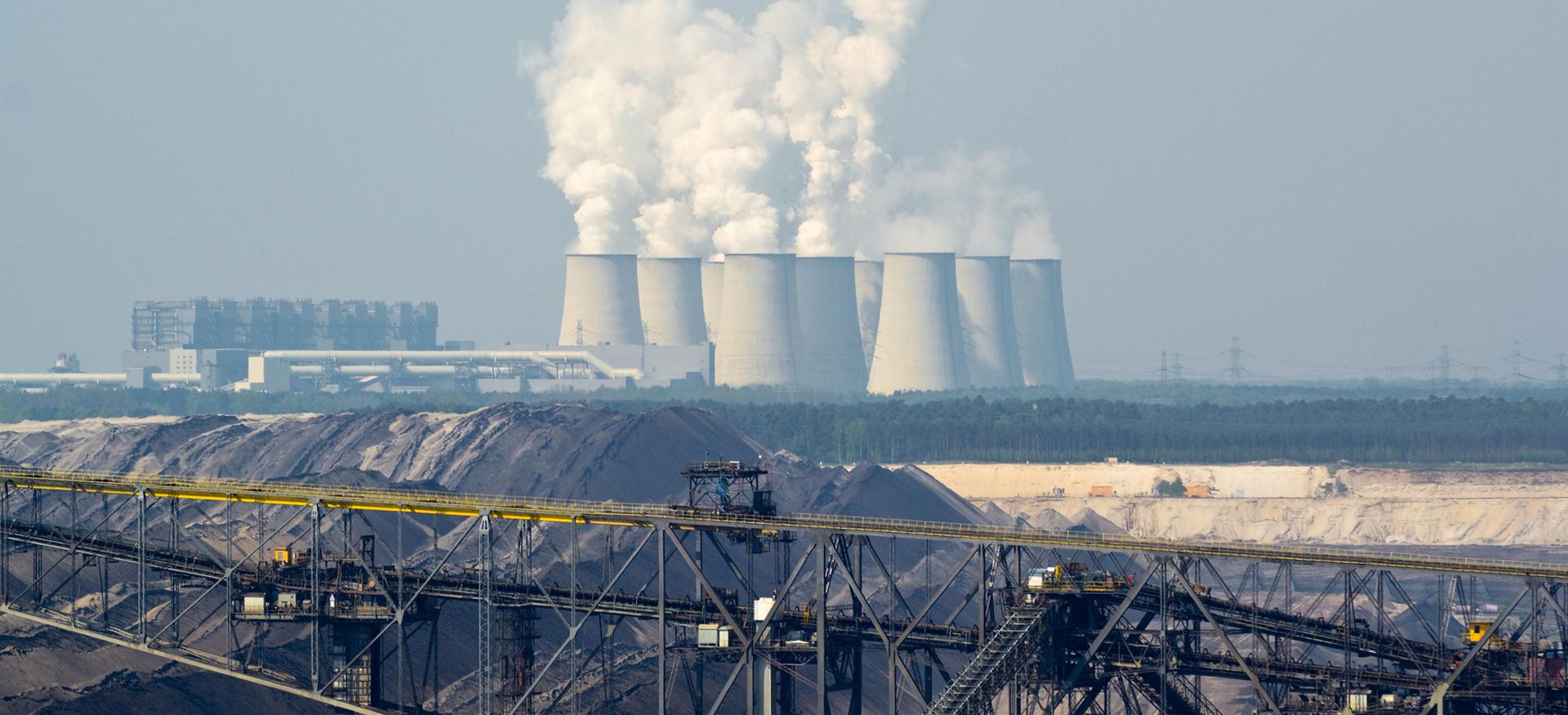 Blick auf das Kohlekraftwerk in Jänschwalde