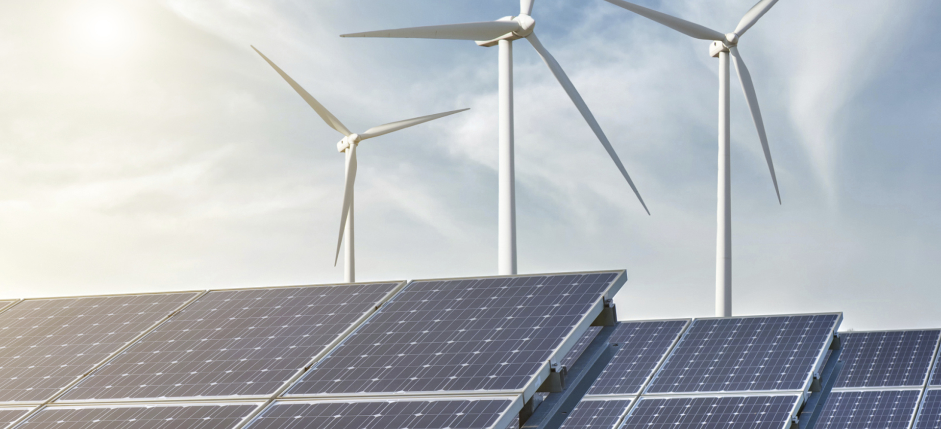Solaranlage und Windmühlen