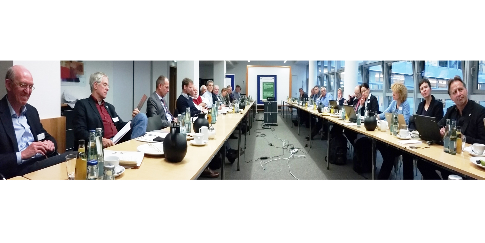 ExpertInnen in Diskussion bei INSPIRATION Workshop Berlin 2