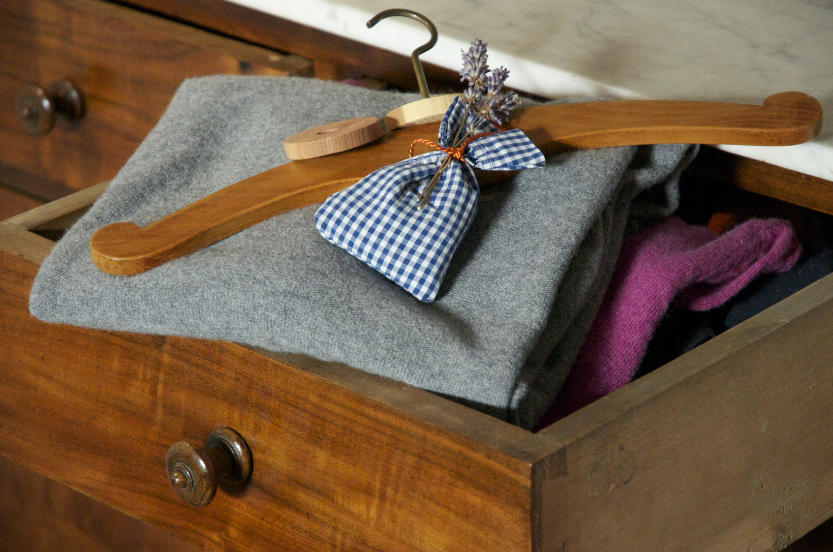 motten schaben silberfischchen umweltbundesamt. Black Bedroom Furniture Sets. Home Design Ideas