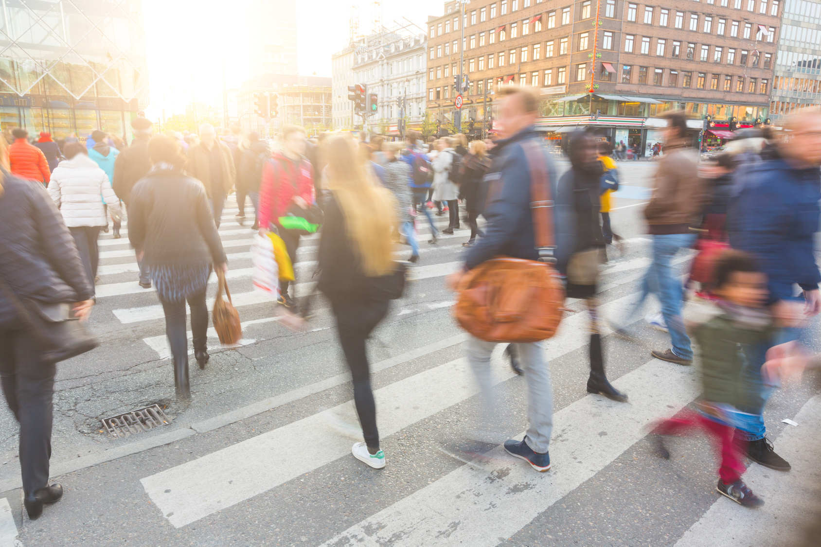 Fußgänger auf einem Zebrastreifen