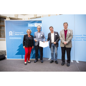Bundesumweltministerin Svenja Schulze ehrt die Technischen Betriebe Solingen