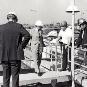 1974 reiste eine Delegation des UBA mit Präsident Heinrich von Lersner nach Chicago und besichtigte dort die seinerzeit größte Kläranlage der Welt.