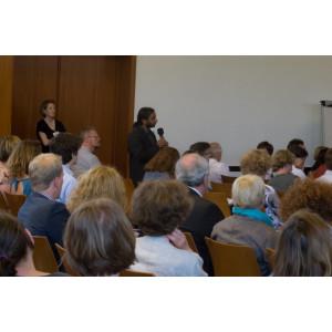 Diskussion im Tagungsraum