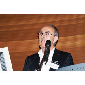 Vortragender mit Mikrofon