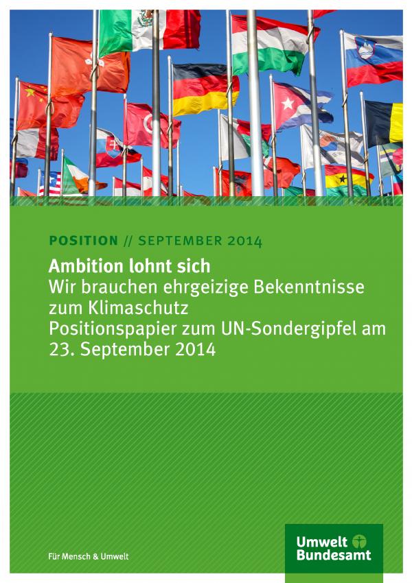 """Cover des Positionspapiers """"Ambition lohnt sich: Wir brauchen ehrgeizige Bekenntnisse zum Klimaschutz"""" mit einem Foto mit Flaggen verschiedener Nationen, unten das Logo des Umweltbundesamtes"""