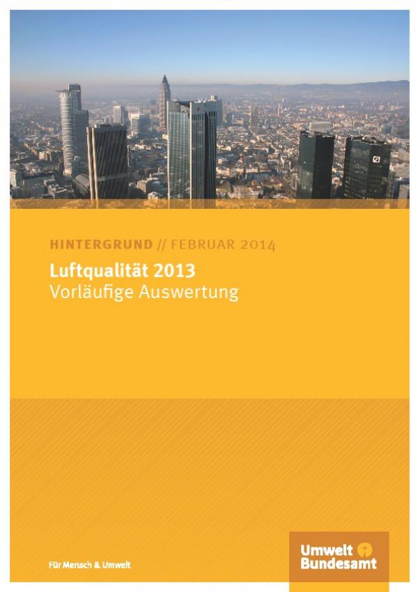 """Deckblatt der Publikation """"Luftdaten 2013"""" mit der Skyline der Stadt Frankfurt."""