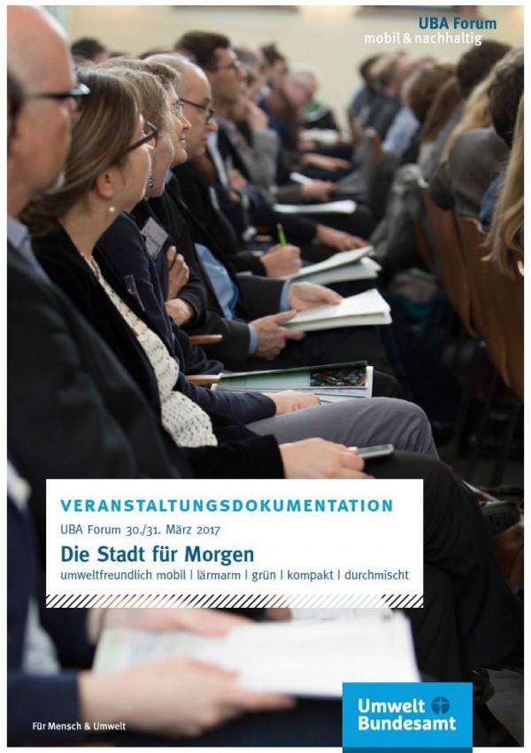 Cover der Publikation: Menschen auf einer Konferenz.