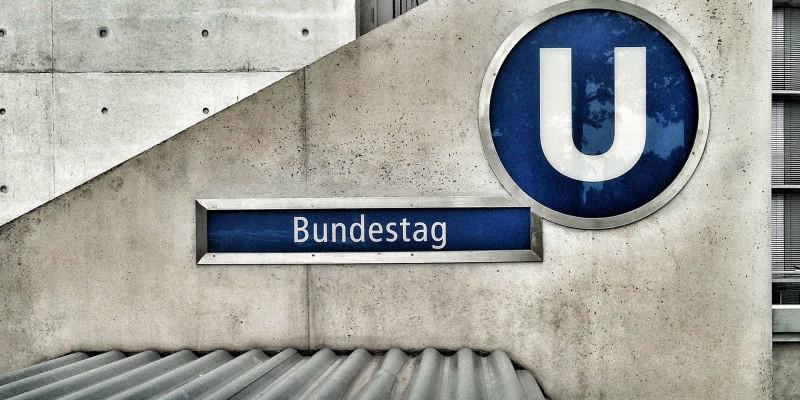 Bundestag U-Eingang