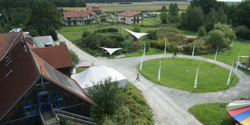 Siedlung mit großen Grünflächen