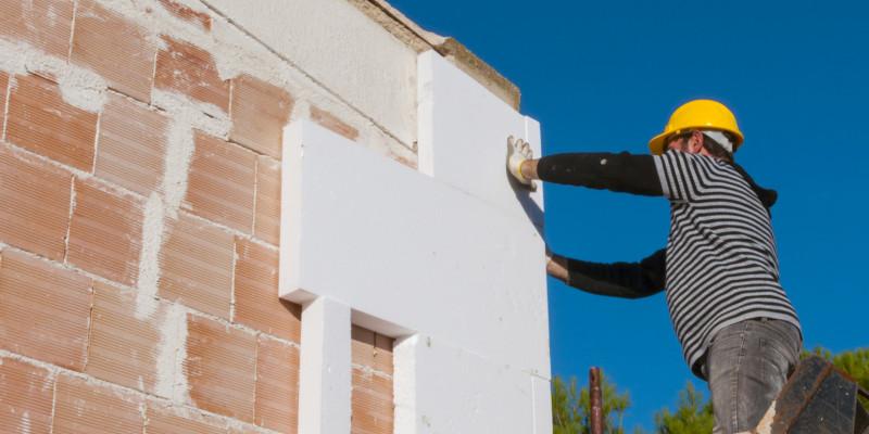Bild zur Aufbringung einer Wärmedämmung am Gebäude