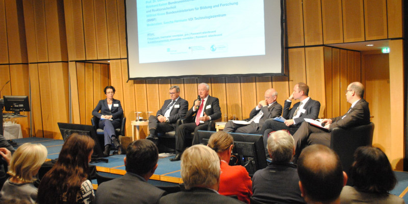 Plenarsitzung: Ressourceneffizienz in der Praxis - Wie gelingt der Transfer v. Forschungsergebnissen?