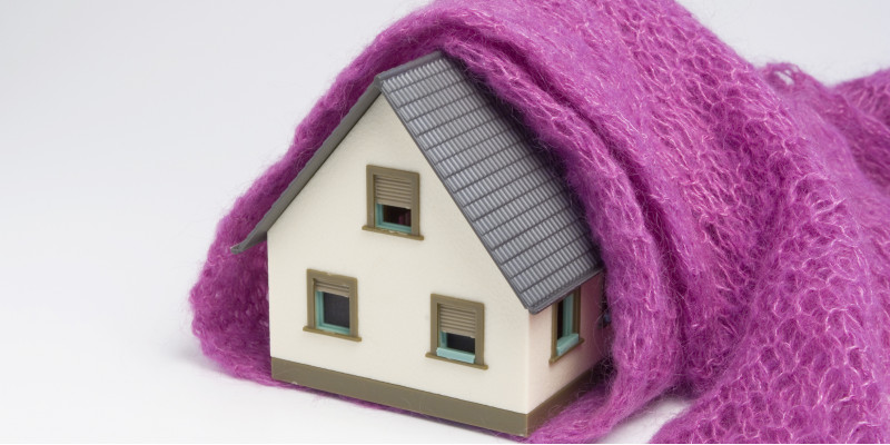 Modellhaus mit Wollschal