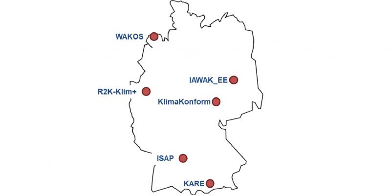 Die Abbildung zeigt eine Deutschlandkarte, in der die sechs Modellregionen namentlich verortet sind.