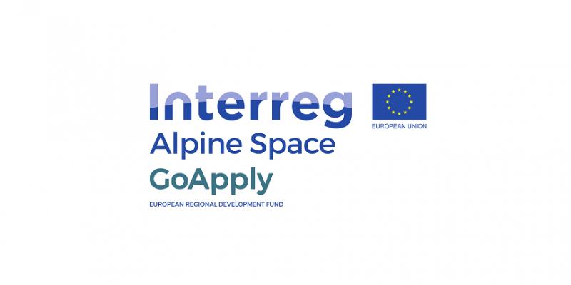 Logo des Projektes GoApply besteht aus der Flagge der Europäischen Union sowie dem Text: Interreg Alpine Space GoApply, European Regional Development Fund