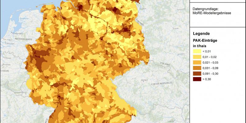 Räumliche Verteilung des flächenspezifischen Eintrages polyzyklischer aromatischen Kohlenwasserstoffe (hier Summe der 16 EPA-PAK) in die Gewässer in Deutschland im Mittel der Jahre 2012 bis 2016