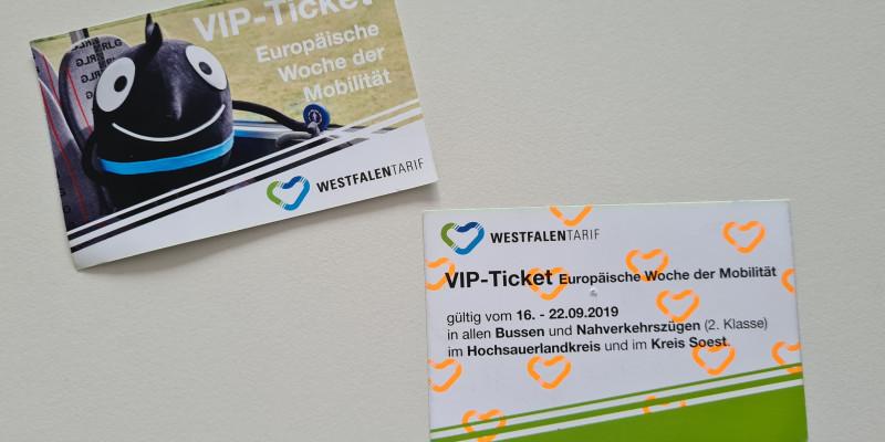 ÖPNV-Ticket mit Maskottchen Edgar berechtigt zur kostenlosen Fahrt während der EMW