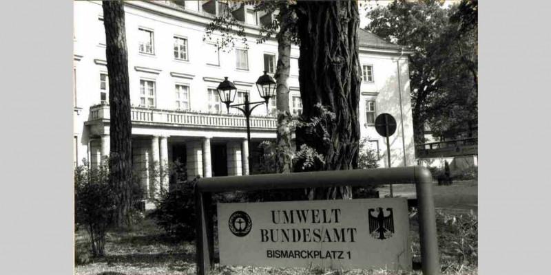 Amtsschild des Umweltbundesamtes am Bismarckplatz