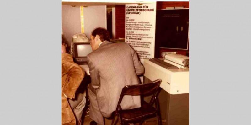 Vorstellung der Umweltforschungsdatenbank UFORDAT 1977 auf der Hannover-Messe