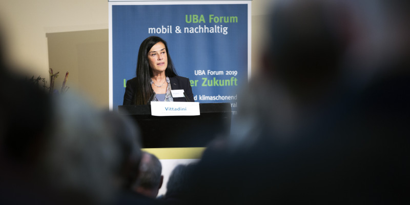 Grazia Vittadini (Airbus Chief Technology Officer) stellt ihre Sicht der Zukunft des Fliegens dar