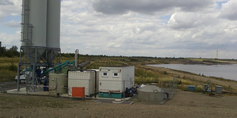 Cleaning plant for mine drainage water