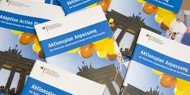 Broschüren des Aktionsplans Anpassung an den Klimwandel