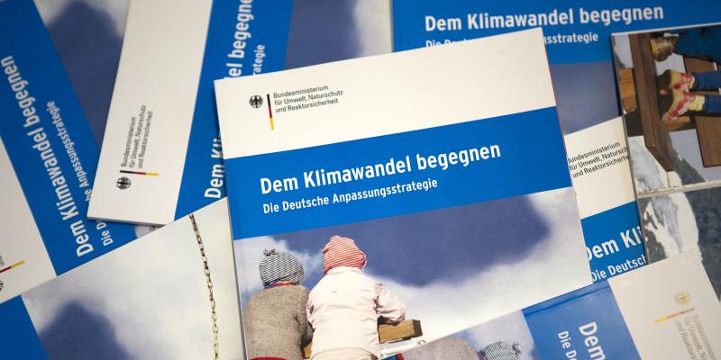 Broschüren zur Deutschen Anpassungsstrategie
