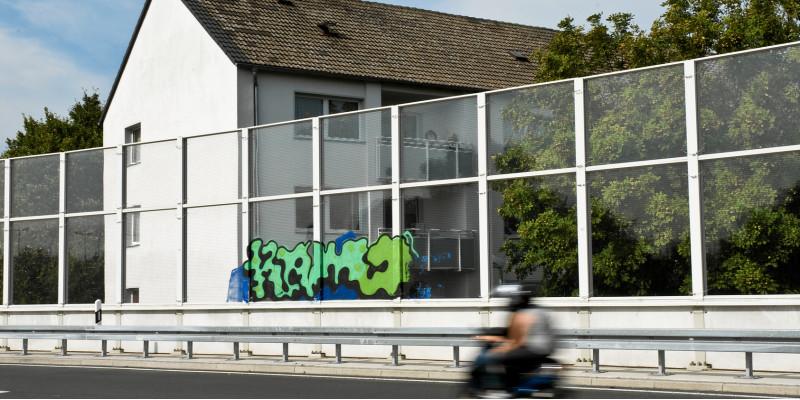 Wohnhaus direkt an der Autobahn
