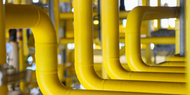 viele gelbe Gasrohre