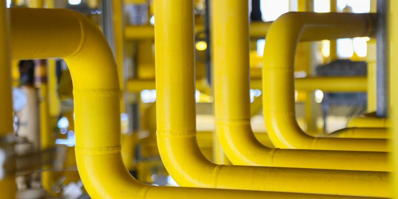 gelbe Rohrleitungen