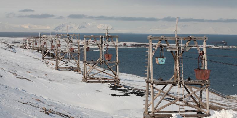 Bild einer Bergbaueinrichtung auf Spitzbergen