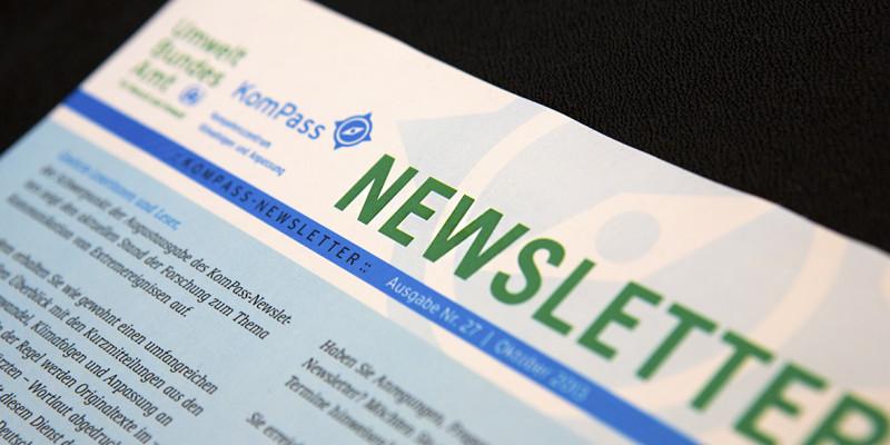 Foto eines gedruckten Newsletters des Kompetenzzentrums Klimafolgen und Anpassung