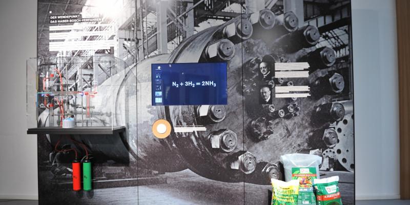 Schautafel zum Haber-Bosch-Verfahren