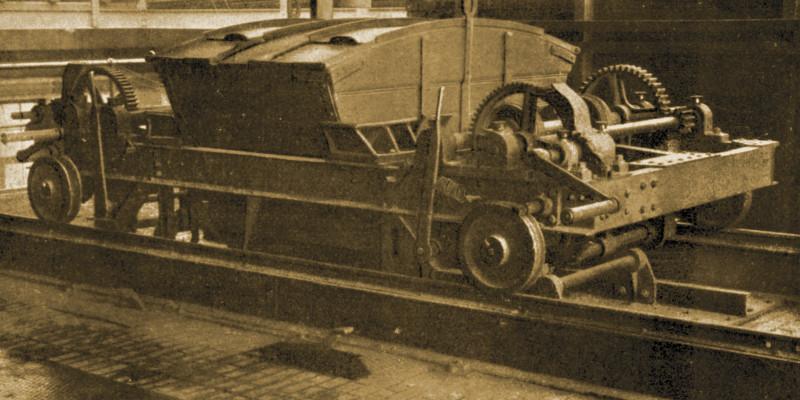 Abhebbarer Beschickungswagen auf Schienen