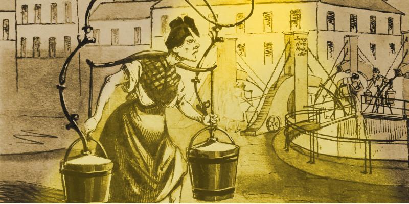 Karrikatur einer Frau, die nachts heimlich Fäkalien entsorgt. Sie trägt zwei Eimer und eine Laterne.