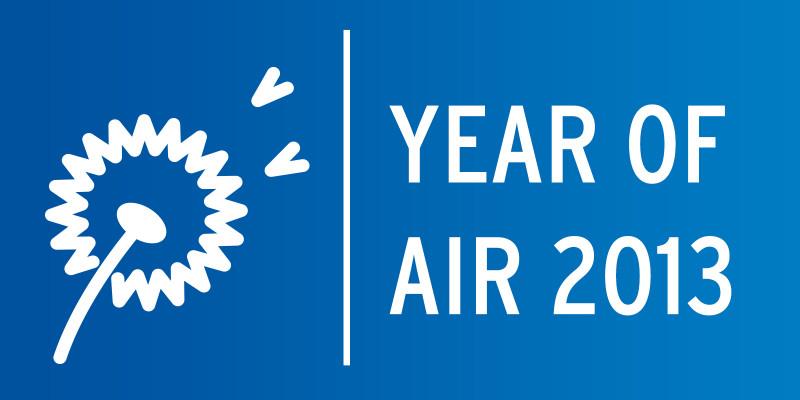 """Das Logo zum Jahr der Luft 2013 zeigt eine Pusteblume und den Schriftzug """"Jahr der Luft"""""""