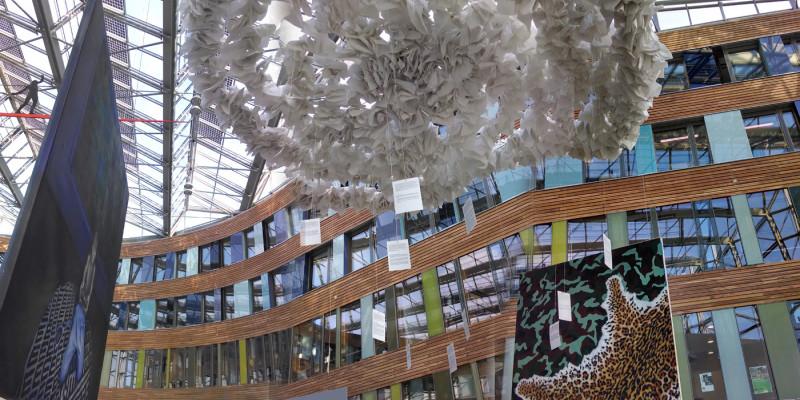 Blick ins UBA mit Ausstellung