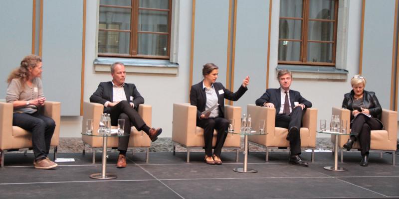 Podiumsdiskussion mit Mitgliedern des Bundestages
