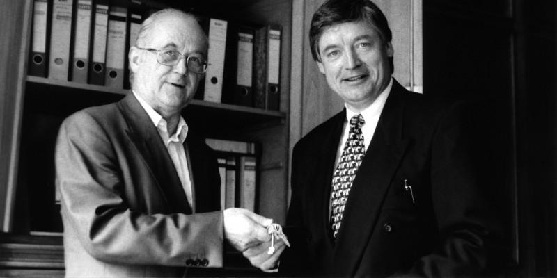 Nach 21 Jahren an der Spitze des UBA übergibt Heinrich von Lersner die Leitung an Andreas Troge.