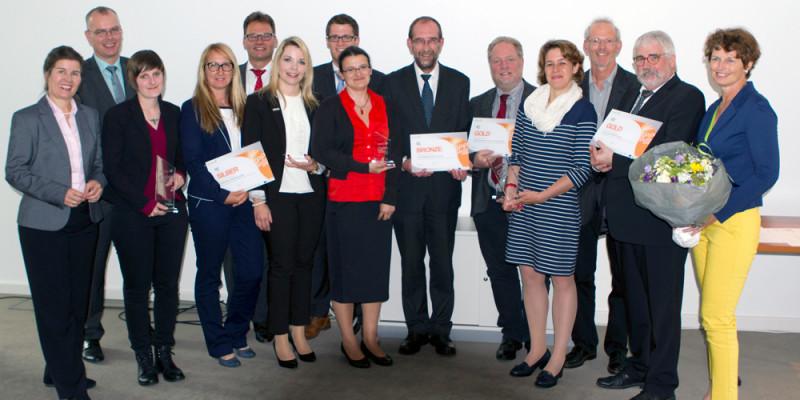Gruppenbild von den Siegerinnen und Siegern des ersten deutschen GPP-Award 2016