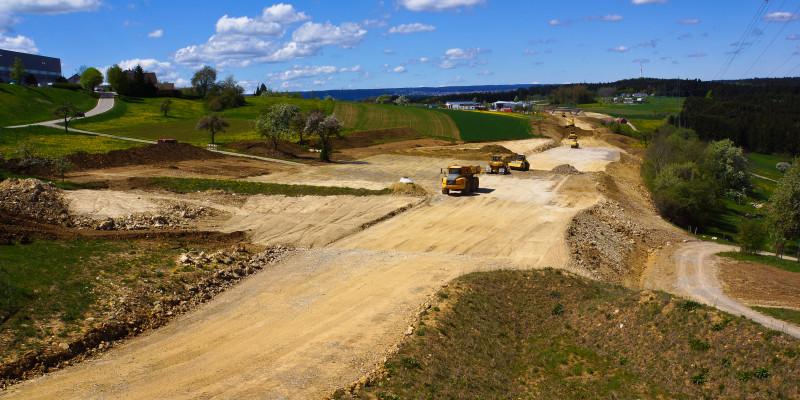 Bauarbeiten zur Anlage einer Straße.