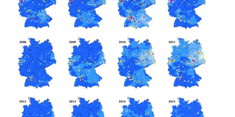 Die Grafik stellt anhand von mehreren Deutschlandkarten die Zahl der Überschreitungen des PM10-Tagesmittelwerts von 50 µg/m³ von 2000 bis 2016 dar. Die Klassen, die die Zahl der Überschreitungstage angeben, sind in verschiedenen Farben dargestellt.