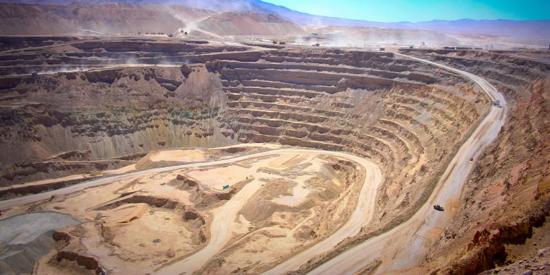 Das Bild zeigt eine Kupfermine in Chuquicamata.