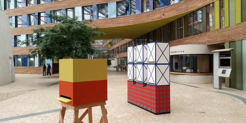 Zwei unterschiedliche Entwürfe der Bienenhäuser