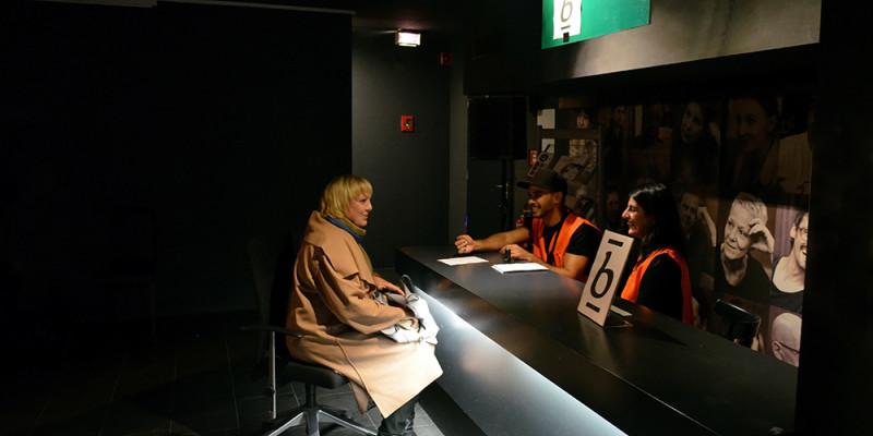 Bundestagsvizepräsidentin Claudia Roth im Gespräch
