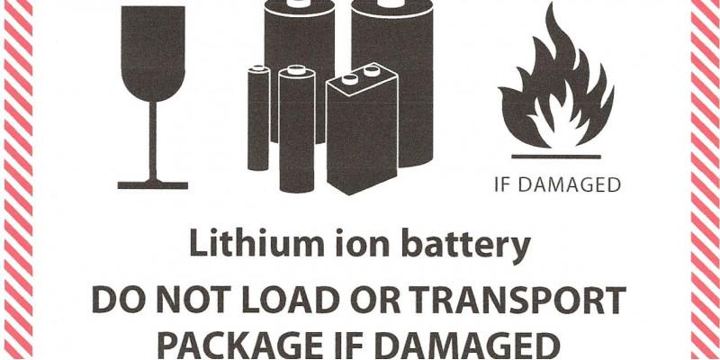 Warnhinweis auf die Brandgefahr von defekten Lithium-Batterien