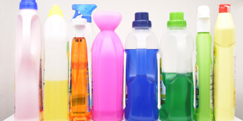 Various liquid detergents and cleaning agents