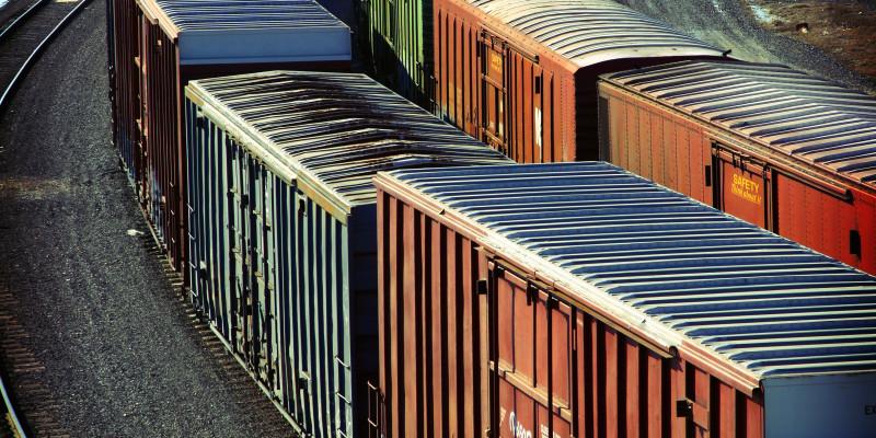 Güterzüge auf einem Rangierbahnhof