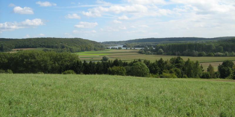 Blick über Flusslandschaft