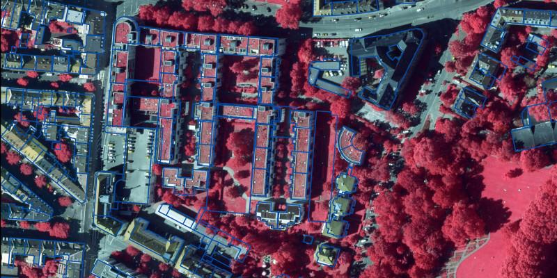 Satellitenbild mit Kartierung u.a. der begrünten Dächer.